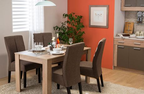 Warm colors in dining room